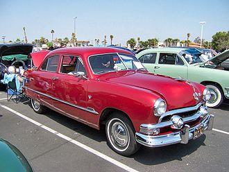 Ford Custom - 1951 Ford Custom Deluxe Tudor