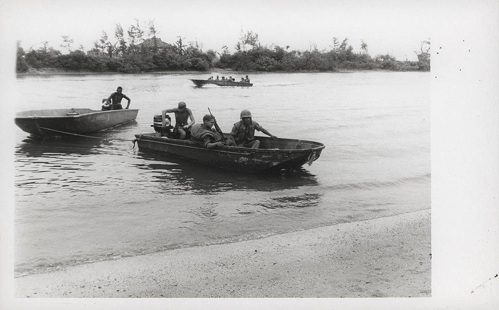 2.4 Marines patrol the Cua Viet River near Dong Ha