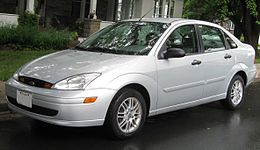 2000-2004 Ford Focus SE sedan .jpg