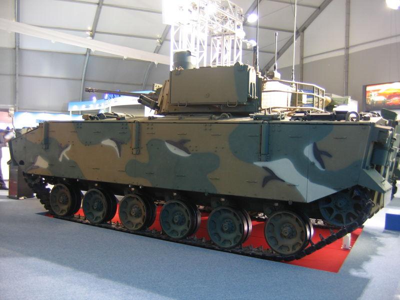 """Tank Buatan Indonesial"""