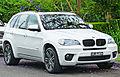 2010-2011 BMW X5 (E70) xDrive35i wagon (2011-11-18) 01.jpg
