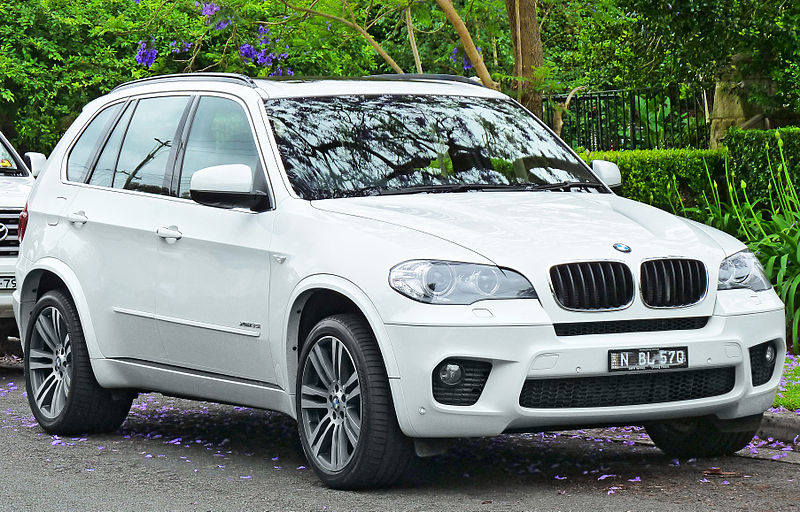 File:2010-2011 BMW X5 (E70) xDrive35i wagon (2011-11-18) 01.jpg