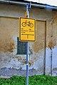2012 Karwina, Łąki, Ulica Ke Statku, Znaki szlaku rowerowego.jpg