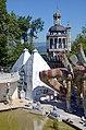 2013 Bruno Weber Skulpturenpark-Führung - Wasserpark - Villa - 'Flügelhund' 2013-08-02 12-04-13.JPG