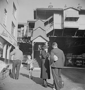 IRT Third Avenue Line - 84th Street station of the Third Avenue El in September 1942
