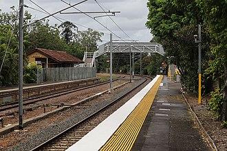 Ascot railway station, Brisbane - Looking towards Doomben in March 2018.