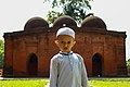 A little boy in front of the mosque 03.jpg