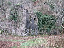 Abandoned building at New Quay.jpg