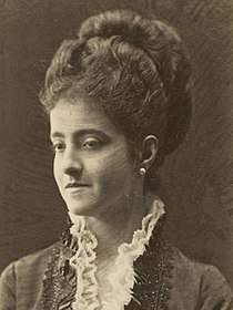 Adelina Patti portrait (11063797055) (cropped).jpg