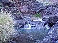 Agua entrando en una charca - panoramio.jpg