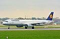 Airbus A321-100 (D-AIRT) 01.jpg