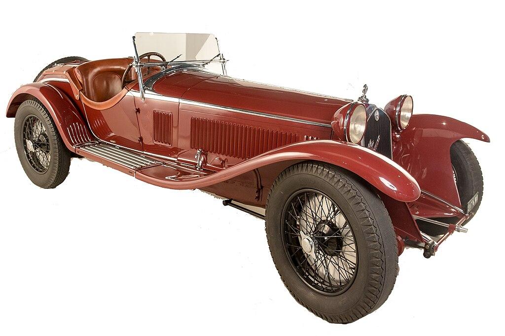 Alfa Romeo 8C 2300. Veicolo sportivo realizzato nel 1932 da Alfa Romeo, fa parte di quella serie di auto pilotate da celebri corridori come Nuvolari o Campari.