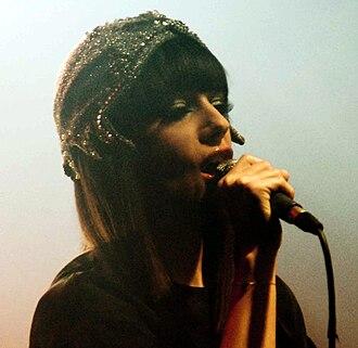 Une enfant du siècle - Alizée in 2010 singing at Point Ephémère lounge, in Paris.
