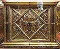Altare di s. ambrogio, 824-859 ca., lato sx di vuolvino, angeli e santi che adorano la croce gemmata 02.jpg