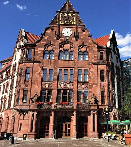 File:AltesStadthaus Dortmund 072017 01.jpg