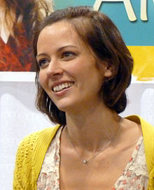 Amy Acker 10 Cropped.jpg