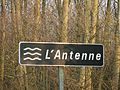 Antenne Cognac-Saint-Laurent D83 panneau.JPG