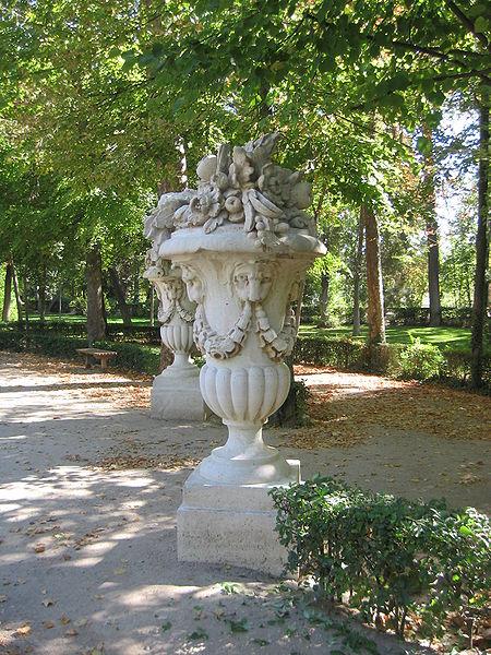 Los jardines más bellos. 450px-Aranjuez_Jardin_Principe_Jarron_Calle_Embarcadero