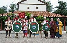 Gruppo di ricostruzione storica raffigurante i Batavi iuniores