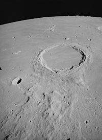 Archimedes crater AS15-M-1542.jpg