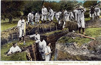 History of Germany during World War I - German soldiers digging trenches