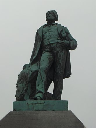 Auguste Mariette - A statue of Auguste Mariette in his home city of Boulogne-sur-Mer.
