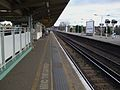 Balham station mainline northbound slow platform look south2.JPG