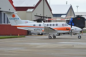 Beech B200 Super King Air 'N370CS' (30182392971).jpg