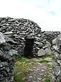 Beehive huts (Cloghan) on Dingle penninsular. - panoramio (1).jpg
