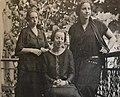 Beerwald sisters Hannah Arendt.jpg