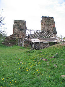 Belarus-Kreva Castle-Tower 3.jpg