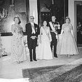 Bezoek van de president van Argentinië, Arturo Frondizi op het Huis den Bosch (g, Bestanddeelnr 911-3873.jpg