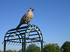 Bird Sculpture at Lake Farm Park, Hayes - geograph.org.uk - 8469.jpg