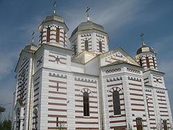 Biserica Sf. Arhangheli din Cajvana3.jpg
