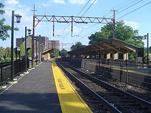 Bloomfield station - The Bloomfield Station facing downtown Bloomfield from the inbound platform.