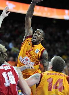 Бо Маккалебб Eurobasket.jpg