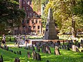 Boston - Granary Burying Ground (48718571368).jpg