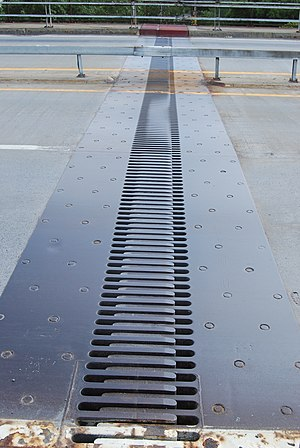 Expansion joint - Expansion joint on a bridge