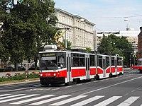 Brno, Komenského náměstí, Tatra KT8D5N č. 1729.jpg