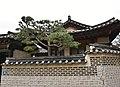 Bukchon Hanok Village, Seoul (11) (41113257931).jpg