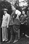 Bundesarchiv B 145 Bild-F051620-0041, Hitler, Göring, v. Schirach auf Obersalzberg.jpg