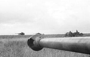 Bundesarchiv Bild 101I-022-2950-15A, Russland, Panzer im Einsatz.2.jpg