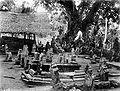 COLLECTIE TROPENMUSEUM Militairen bij sultansgraven in Atjeh TMnr 10018876.jpg