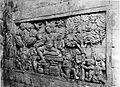 COLLECTIE TROPENMUSEUM Reliëf in het interieur van de tempel Tjandi Mendoet achterin rechts bij de ingang. TMnr 60004715.jpg