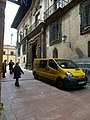 Calle San Juan. Oviedo (7561696270).jpg
