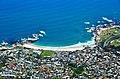 Camps Bay ze Stolové hory - Kapské město, Jižní Afrika - panoramio.jpg