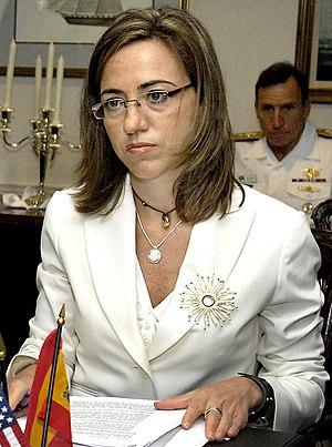 Español: Carme Chacón, ministra de Defensa de ...