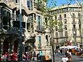 Casa Batlló el dia de sant Jordi P1440116.jpg