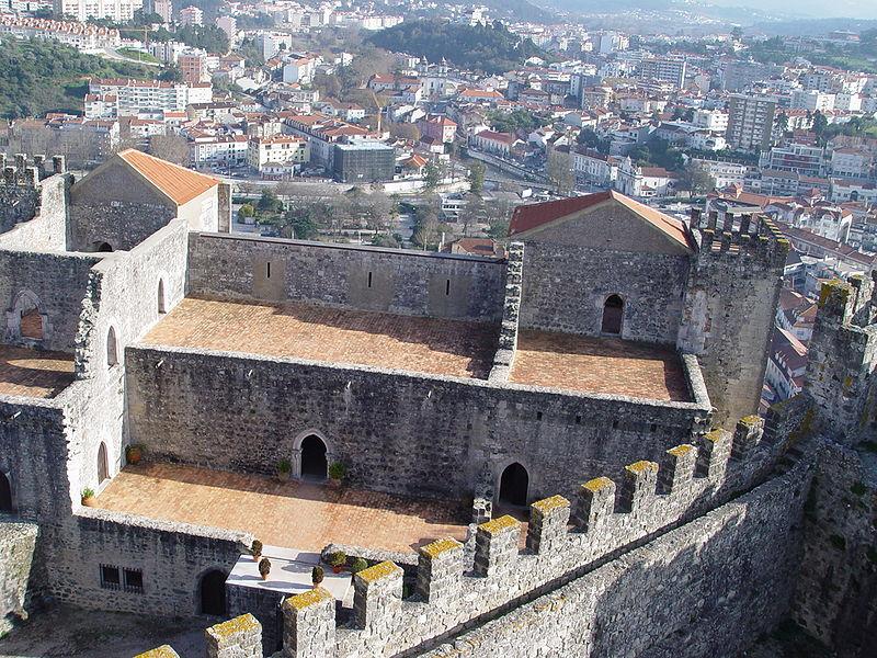 Imagem:Castelo de Leiria 12.jpg