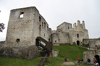 Castle Rabí from main courtyard (3).JPG